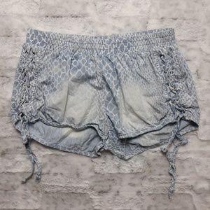 Vintage Havana| Cheetah Chambray Lace Up Shorts